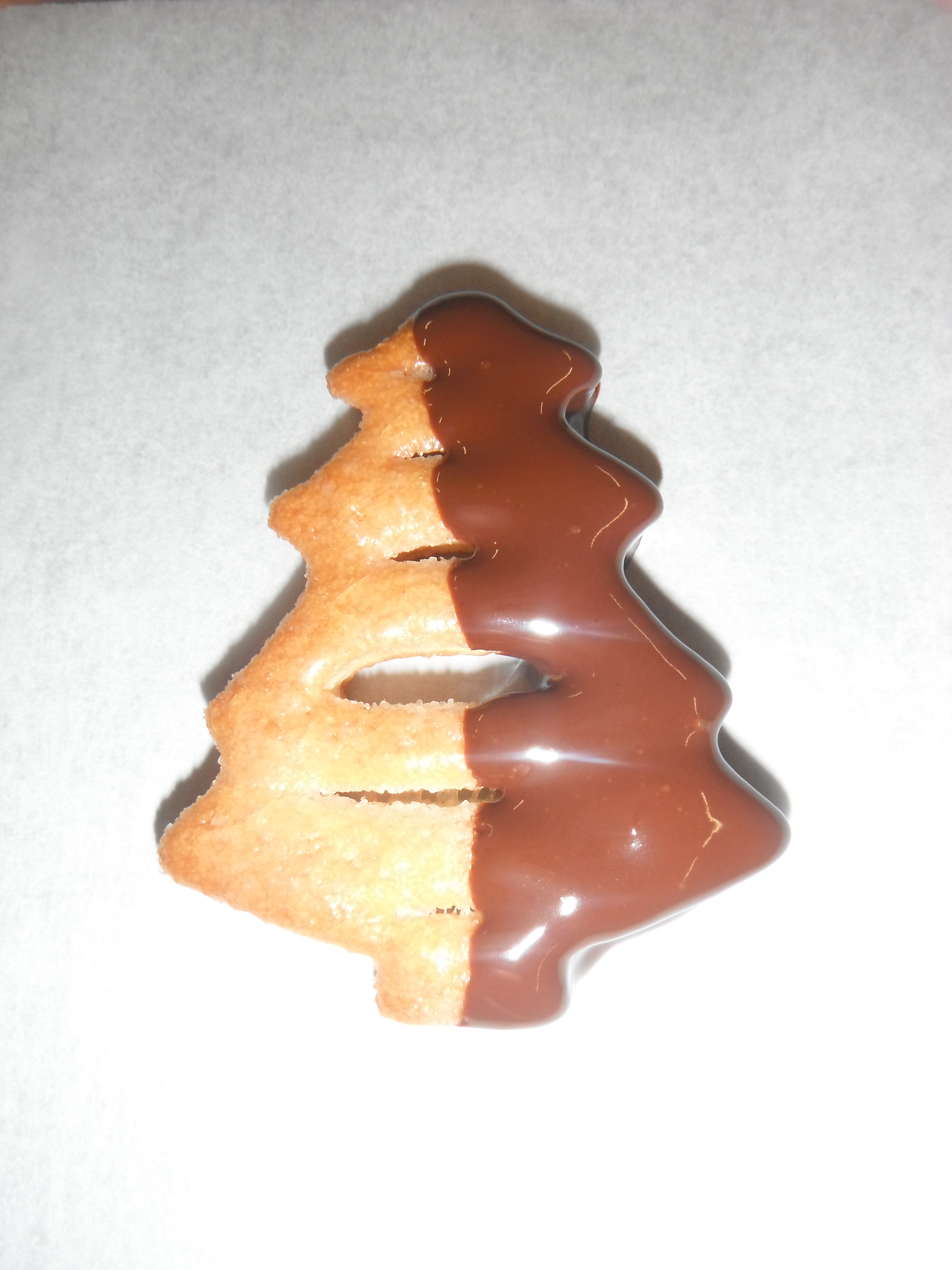 Christmas tree biscuit decorating thanks to asda and leiths place a few of the cookies in a clear cellophane presentation bag and secure with some christmas ribbon the decorated biscuits make a nice gift or solutioingenieria Gallery