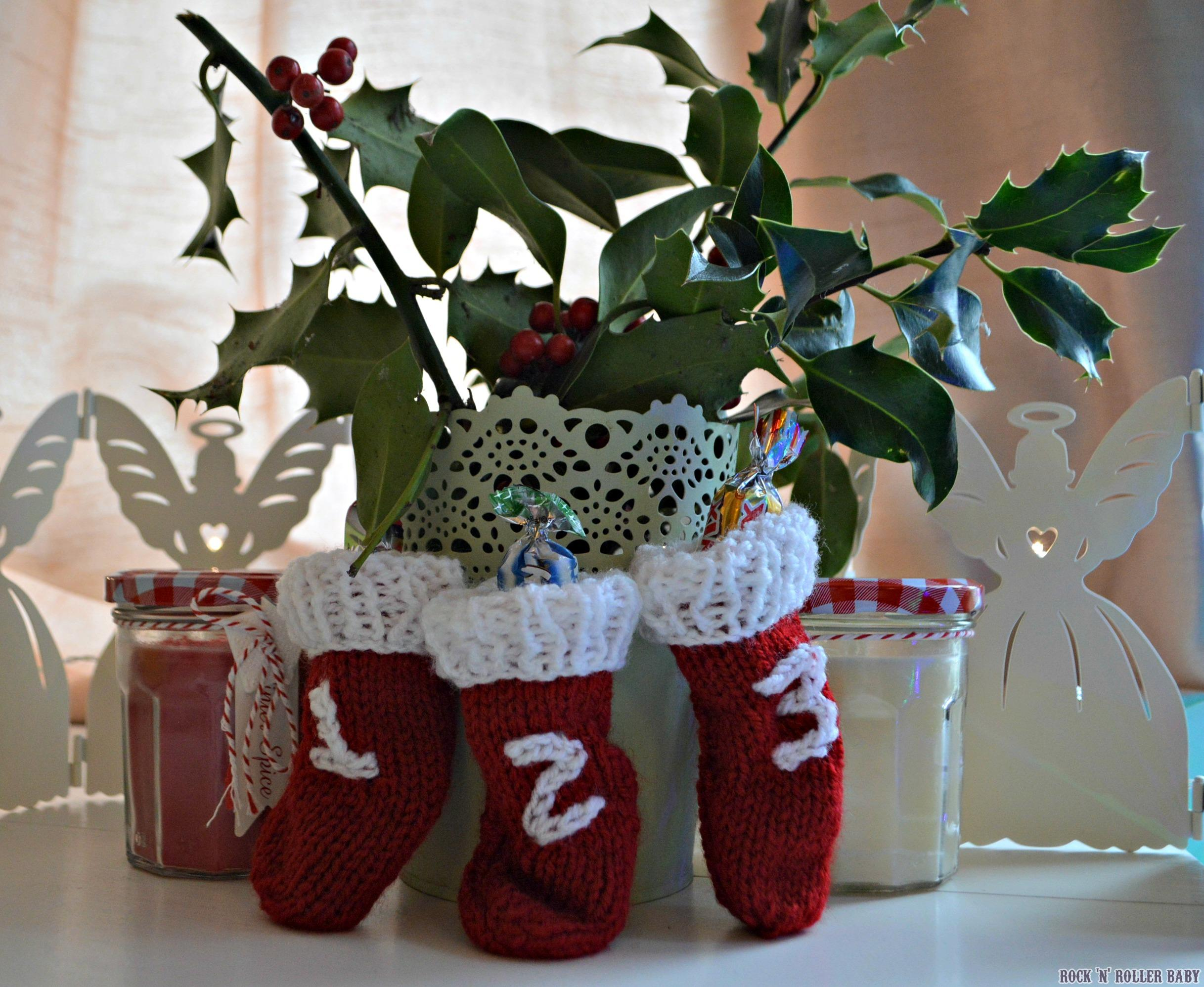 Mini Christmas Stockings – FREE Knitting Pattern! | RocknRollerBaby
