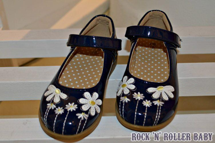 Hello little daisy shoes from the mainstream Mothercare collection!