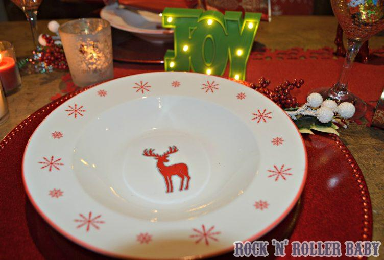 Even the plates and bowls can be bought for a pound and they even do festive cuttlery sets!